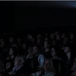 映画館で水危機が起こったら?水の入った開かないペットボトルが教えてくれる真実