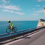 そこ走るっ!?ヴィットリオ・ブルモッティがロードバイクで魅せる究極のライディングスキル