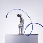 技と美に挑む!ロボットアームが人間顔負けの華麗な「新体操リボン」技を披露