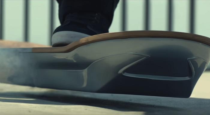 LEXUSのホバーボード1