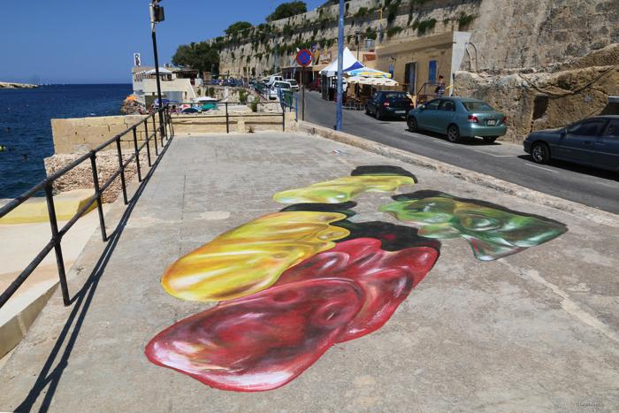 マルタストリートアートフェスティバルの巨大なグミのクマ3
