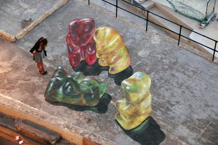 マルタストリートアートフェスティバルの巨大なグミのクマ5