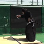 """160キロの速球を日本刀でまっぷたつに斬る!""""平成の侍""""町井勲が超絶神業を披露"""