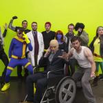 """もはや魔法!ふざけたハロウィンコス集団の写真が本物さながらの""""X-Men""""に変わっていくPhotoshop動画"""