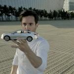 驚愕マジックに思わず釘付け!巧妙な映像トリックを駆使した自動車CMに仰天