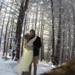 愛犬が撮影した雪山での結婚式ムービー