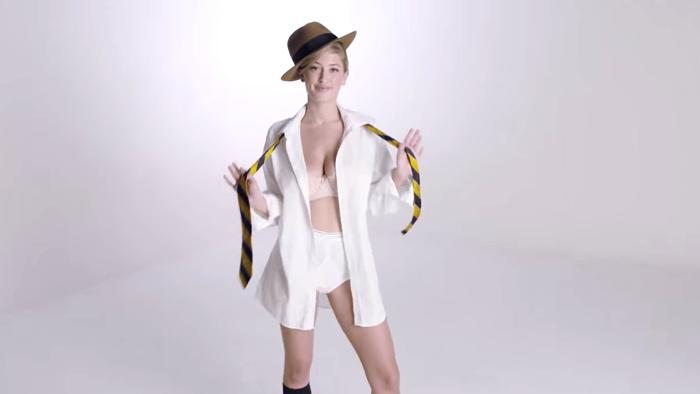 美女をモデルにした男性用下着の歴史