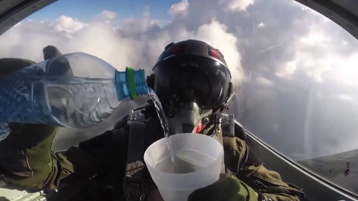 ジェット戦闘機パイロット